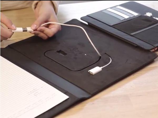 Conférencier A4 pour Tablette  Power Bank 4000 mAh   - visuel 3