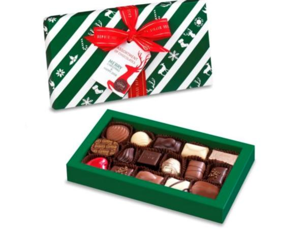 Boîte  Garnie de 16 Chocolats Couvercle Noël 2017 215 G