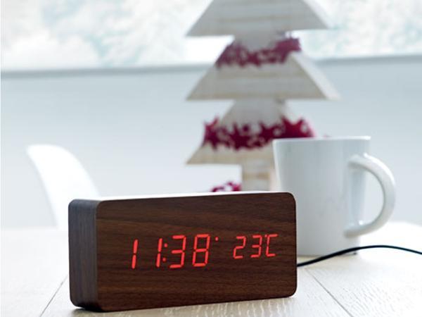 Horloge et Réveil affichage LED