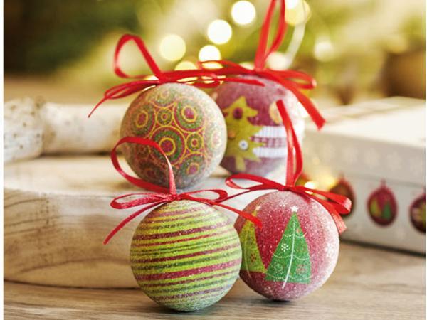 Ensemble de 4 Boules de Noël dans une Boîte Cadeau