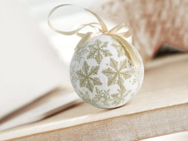 Coffret Carton avec Boule de Noël
