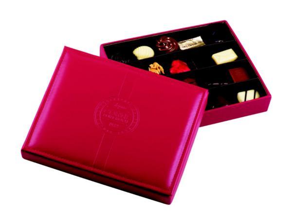 Boîte en Cuir Rouge avec 20 Pralines - 285 g